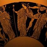 Жена Гера, значит, у него, а столицу свою он назвал в честь Афины….