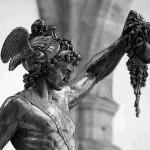 Гладиаторский цирк богов, героев и простолюдинов.